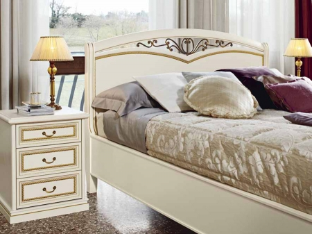 Спальный гарнитур Aurora avorio: кровать, 2 тумбочки, комод, шкаф