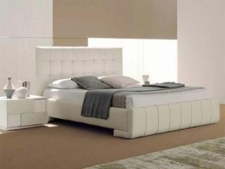 Спальний гарнітур Tiffany Prestige: ліжко, дві тумбочки, комод