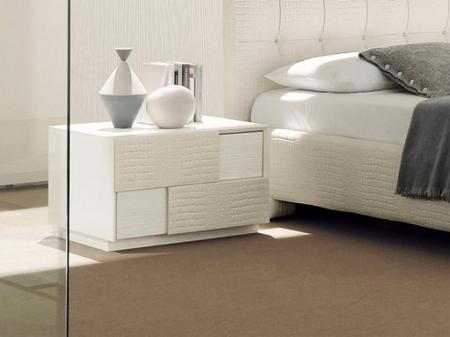 Спальный гарнитур Tiffany Prestige: кровать, две тумбочки, комод