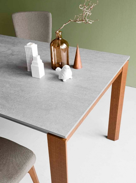 Стіл розкладний EMINENCE 130 + 50, кераміка cement, горіх
